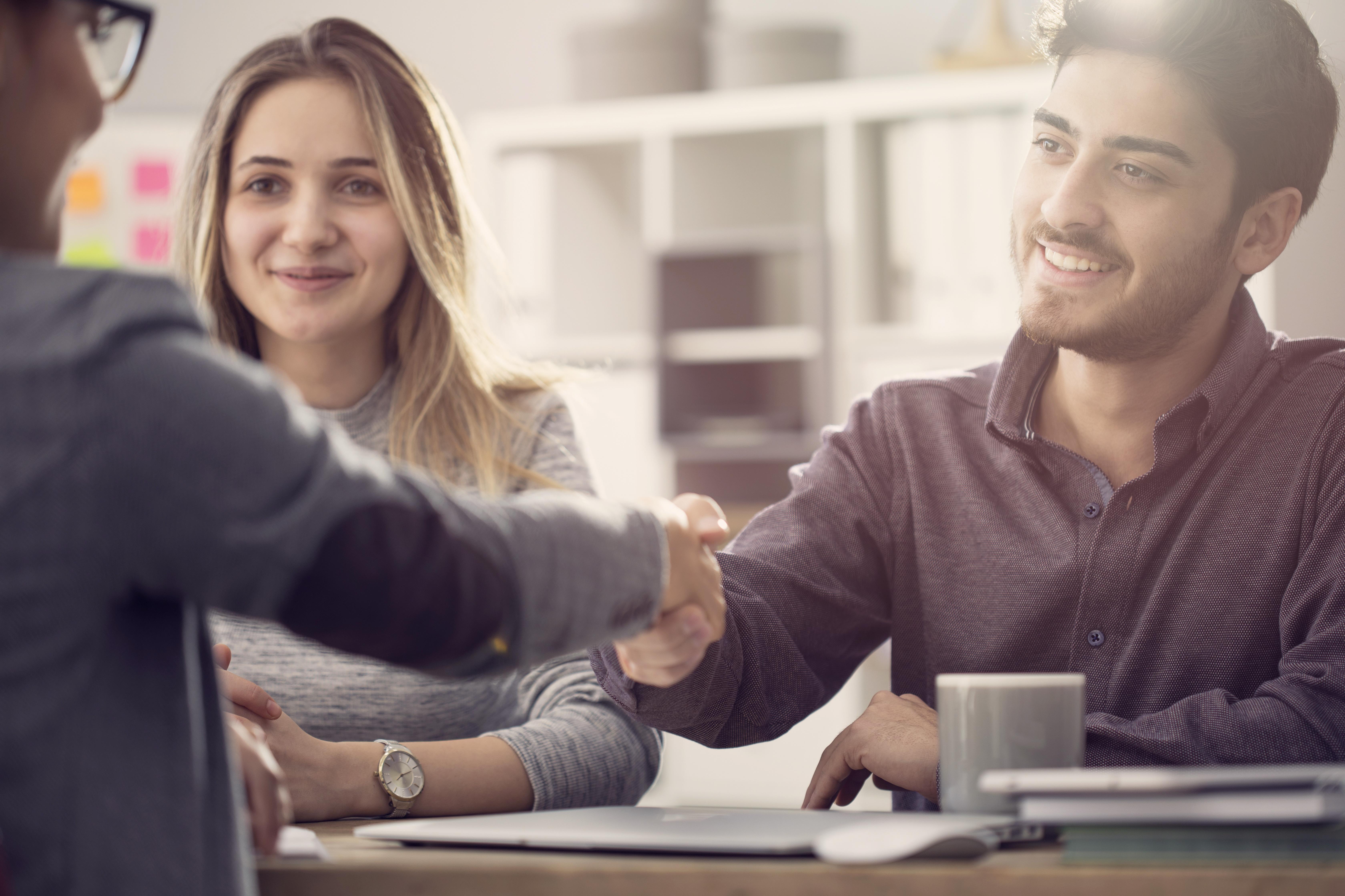 Handshake between a customer and agent